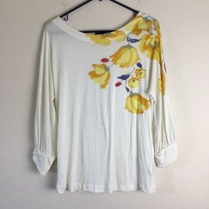 Deletta top ivory with front floral print.
